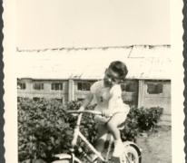 Marc Moerman op zijn driewieler, Merelbeke, 1962
