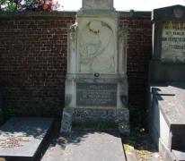 Grafmonument vermoorde politiecommissaris Melle, 1920