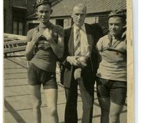 Vlnr: Valère Moerman, Gerard Van De Meerschaut en dhr. Dhaene, Merelbeke, 1946-1948