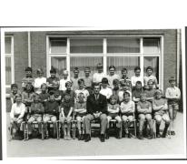 Klasfoto van het derde leerjaar in het Paus Johannescollege, Merelbeke, 1968