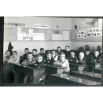 Klasfoto van het vierde leerjaar in het Paus Johannescollege, Merelbeke, 1969