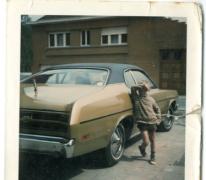 Mario Brisard aan een Pontiac, Bavegem, 1972-1973