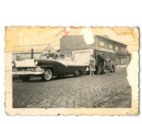 Familie Brisard een een Ford Farlain, Bavegem, eind jaren 1950