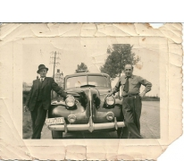 Jozef De Saedeleer aan een wagen, Sint-Lievens-Houtem, 1940-1950