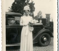 Huwelijksfoto van Irma Schouppe-De Mesure, Moortsele, begin 20ste eeuw