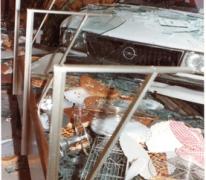 Opel vernielt vitrine bakkerij De Paepe, Merelbeke, 1982