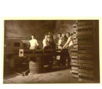 Bottelen van bier Canda, Landskouter, jaren 1950