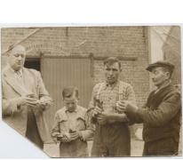 Eerste prijs duivenwedstrijd, Sint-Lievens-Houtem, jaren 1950