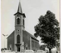 Sint -Martinuskerk op het kerkplein van Melle