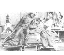 Beeldhouwer Jules Vits in zijn atelier te Melle