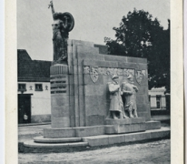 MONUMENT ERIGE A MELLE A LA GLOIRE DES FUSILLIERS- MARINS FRANCAIS