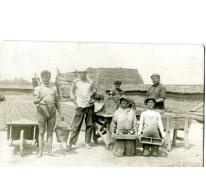 Seizoenarbeiders in een steenbakkerij, Evere, 1920-1930