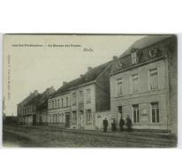 Aan het Postkantoor. - Au Bureau des Postes.
