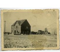 Aan de benzinepomp, Bottelare, 1945-1955