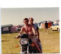 Samen op de moto op de camping, Bredene, 1970-1980