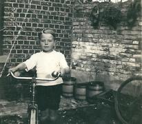 Met de grote fiets, Sint-Lievens-Houtem, 1940-1950