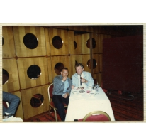 Aan tafel tijdens decoratiefeest, Vorst, 1980-1990