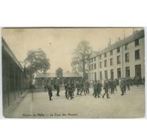 Speelplaats van de middelbare afdeling in 1914 College Melle
