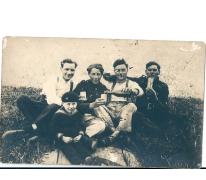 Een Vlaamse en drie Franse soldaten in Duisburg, 1923
