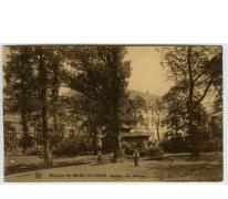 Grasveld en tuin van het college te Melle in 1935