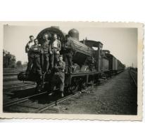 Spoormannen op een locomotief, Merelbeke, begin 20ste eeuw