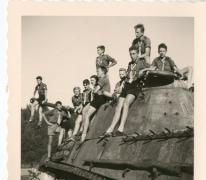 Chiro Melle, bij een tank in Bastogne, 1962