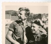 Chiro Melle, luisteren naar de transistorradio, Ardennen, 1962