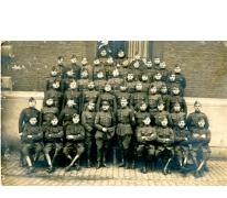 Groep soldaten tijdens Eerste Wereldoorlog, details onbekend