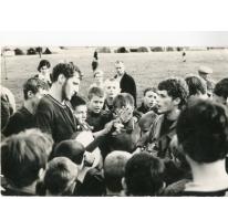 Chiro Melle, gitaar spelen op kamp, Louvegnié, 1968
