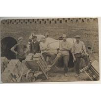 Seizoenarbeiders in de steengroeve in Frankrijk, 1920-1930
