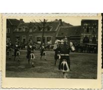 Schotten in bevrijdingsstoet, Sint-Lievens-Houtem, 1940-1945