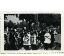 Priesters in bevrijdingsstoet, Sint-Lievens-Houtem, 1940-1945