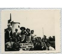 Molenaars in bevrijdingsstoet, Sint-Lievens-Houtem, 1940-1945