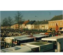 Houtem Jaarmarkt gezien vanuit de kerk, Sint-Lievens-Houtem, 1989
