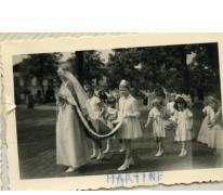Schoolkinderen in processie, Sint-Lievens-Houtem, 1960-1962