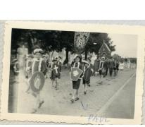 Schooljongens in processie, Sint-Lievens-Houtem, 1956-1962