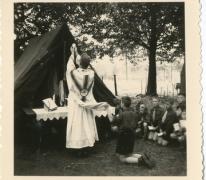 Eucharistieviering op chirokamp, Louis-Marie, 1956