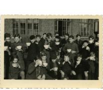 Soepbedeling Winterhulp jongensschool, Sint-Lievens-Houtem, 1943