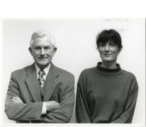Lucien en dochter Marijke De Meyer, OCMW secretarissen, Oosterzele, 1995