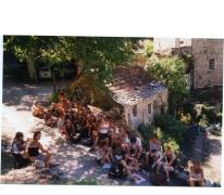 Lunchpauze chiro Geertrui op buitenlandse reis, Frankrijk, 1999