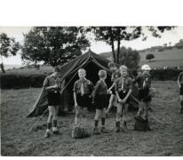 Inspectie van tenten op kamp, Louveigné, 1968