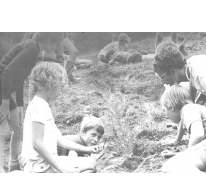 Knikkeren op chirokamp, Guirsch, 1975