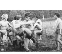 Chiro Melle doet ochtendgymnastiek, Tenneville, 1979