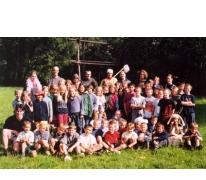 Groepsfoto op kamp, Berlare, 2002.