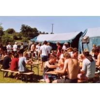 De eetplaats tussen de tenten, Ierland, 2006.