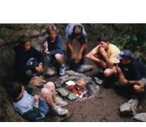 Eten op kamp, Opont, 1999.