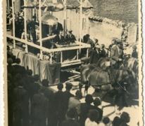Wagon in bevrijdingsstoet na WO II, Lemberge, 1945