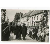 Dorp verwelkomt deken Rijckaert, Oosterzele, 1959