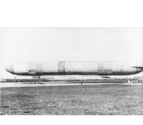 De LZ37 op zijn basis in Etterbeek, 1915