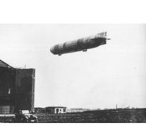 De LZ37 bij de zeppelinbasis van Keulen, 1915